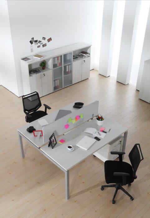 Metalik renk büro mobilyası, çalışma masası