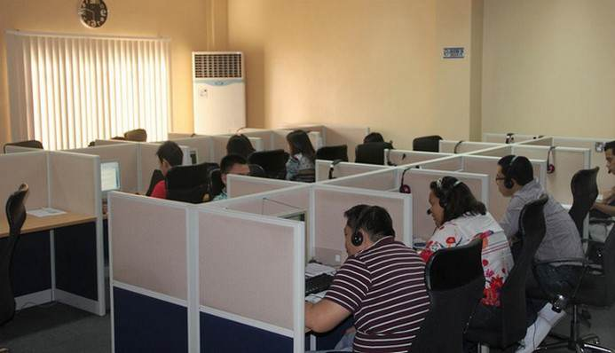 call-center-desk