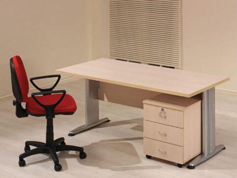 Büro personel masası